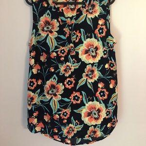 Flowered sleeveless blouse